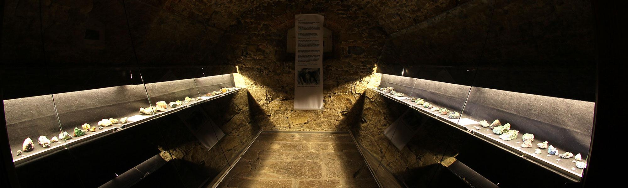 museum-auberlehaus-trossingen-mineraliengewoelbe-headerbild